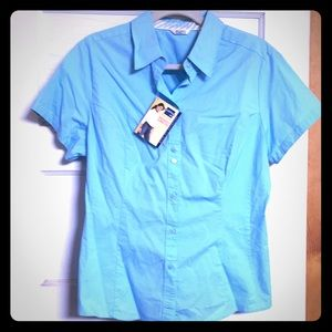 Tops - NWT Lee Slimming blouse sz large